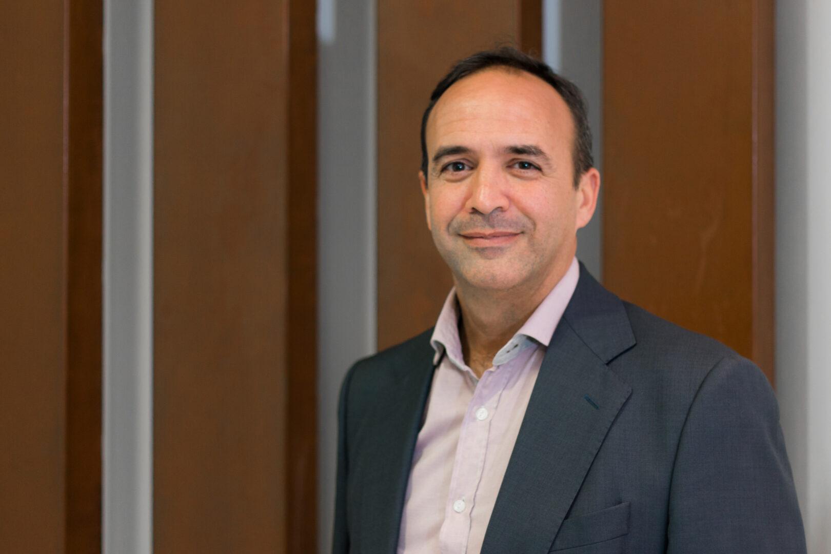 Dr Luis Castillón Torres